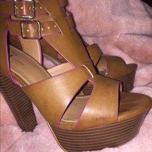 Shi by Journeys Platform Heels. Size 8.5